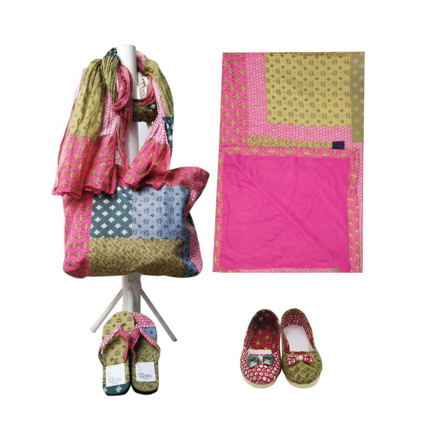 Set Of Bags, Scarves, Flip Flops. manufacturersSet Of Bags, Tørklæder, Klipklapper. manufacturers